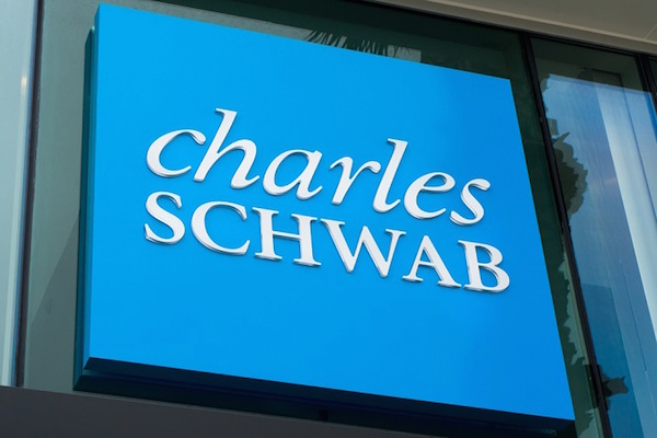 Schwab Reports Record Quarterly Net Income Of $452 Million